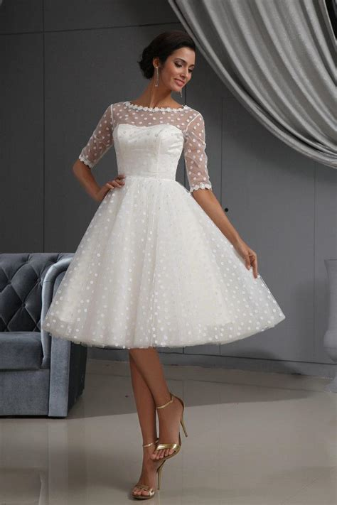 LOVELY SHORT DRESSES FOR THE BRIDE'S COMFORT - Godfather Style