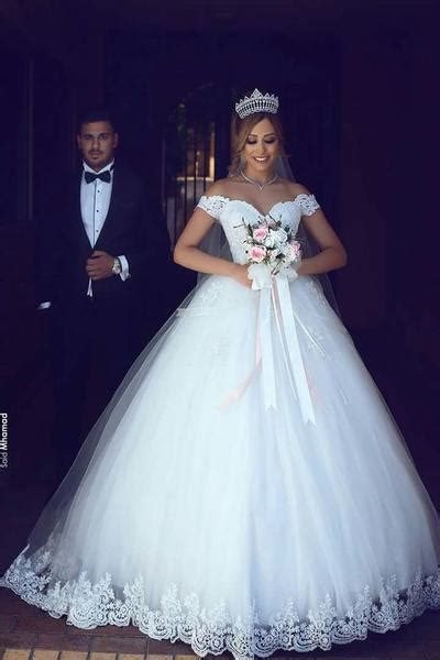 Off the Shoulder Princess Style Ball Gown Wedding Dress