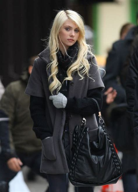 Winter Fashion: Best Gossip Girl Outfits of Blair and Serena